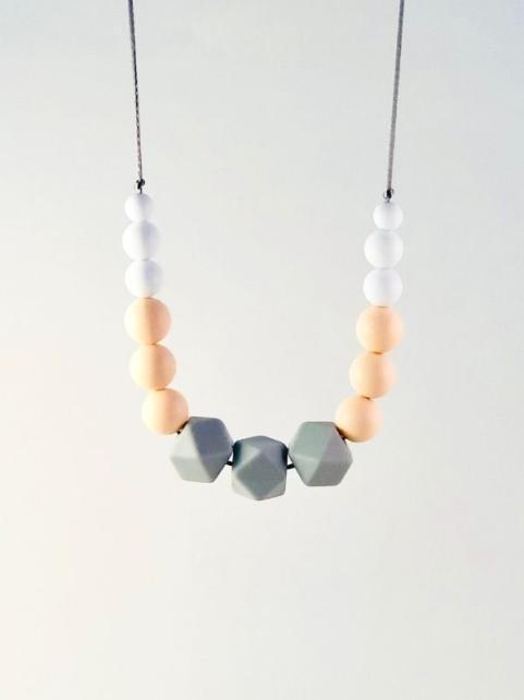 Image collier allaitement silicone Camille